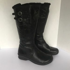 Keen Orla black shearling lined leather boots 7